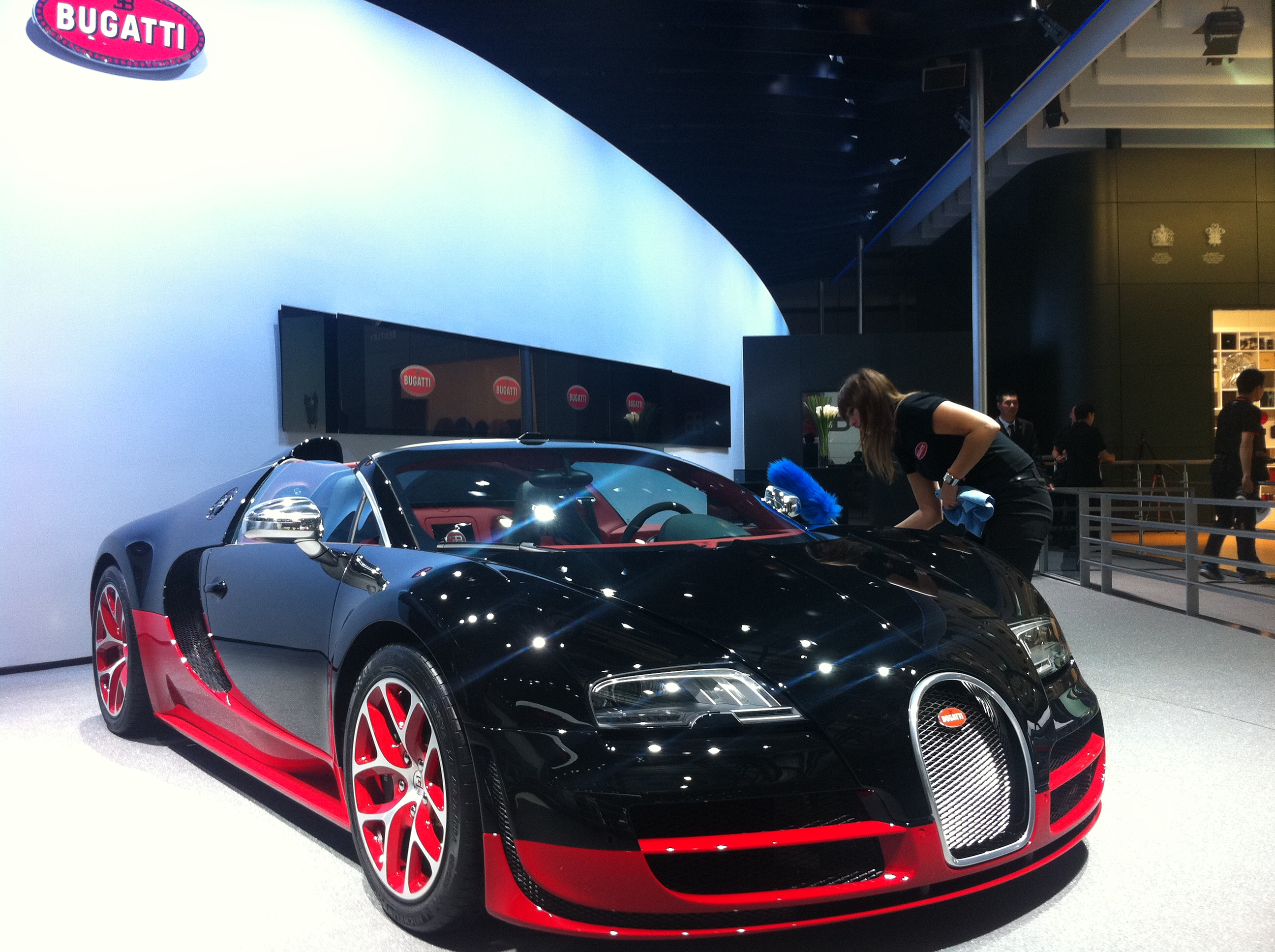 2012-auto-china-beijing-auto-show-2012-bugatti-veyron-grand-sport-vitesse-black-red-img_3546 Astounding Xe Bugatti Veyron Grand Sport Vitesse Cars Trend